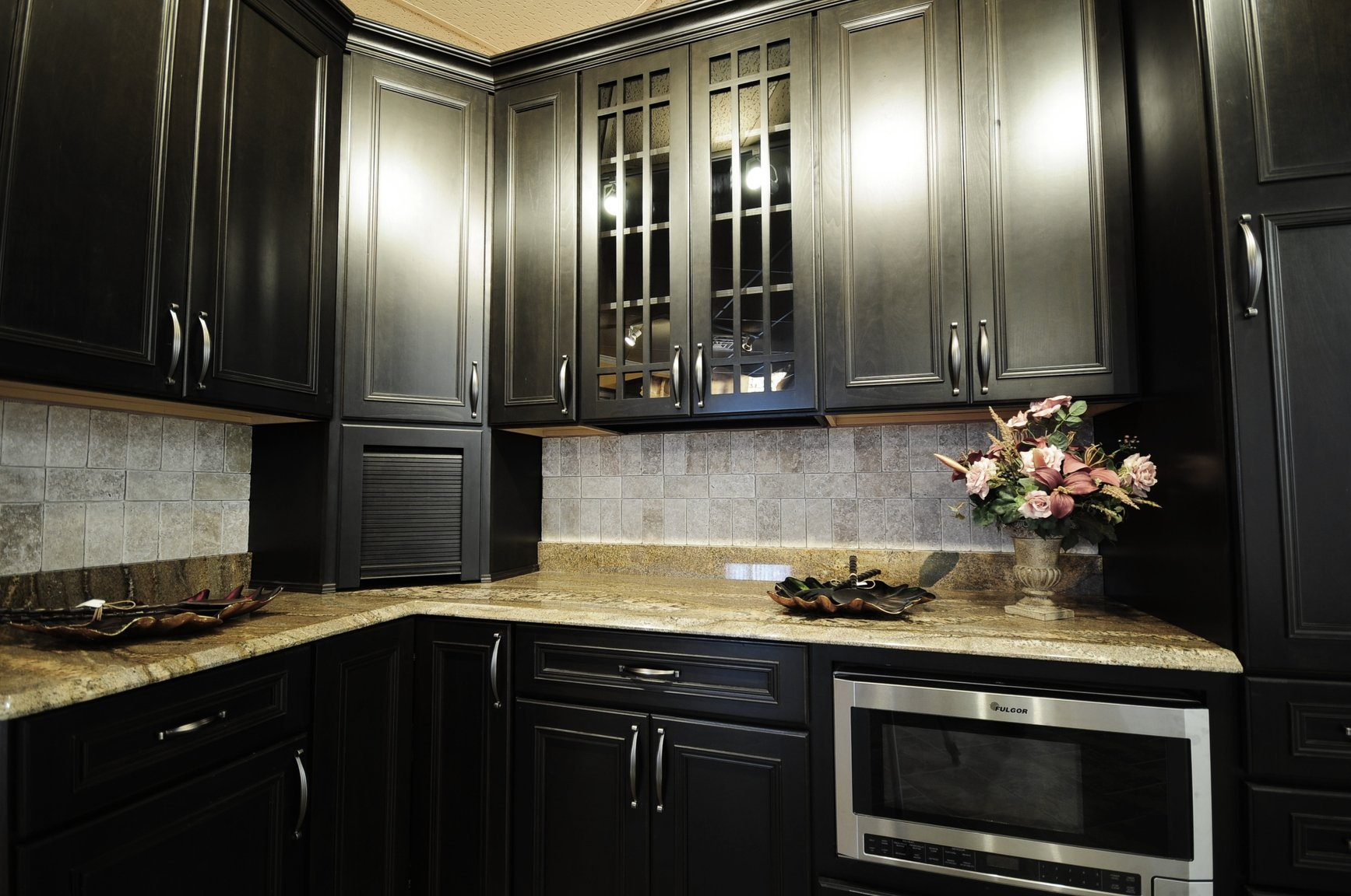Kitchen cabinets surrey bc custom kitchen cabinets for Darken kitchen cabinets